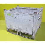 second hand box stillage side view