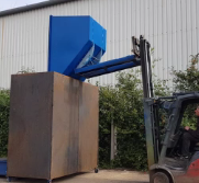 How to empty a roll forward tipping skip into bin