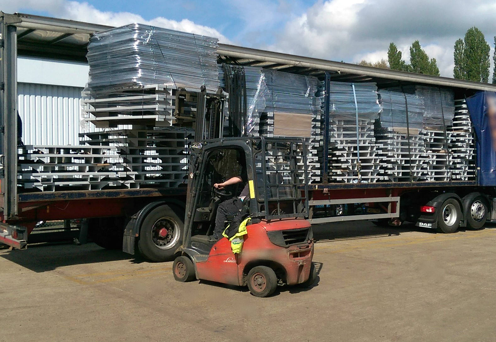 Custom bespoke stillages manufacture in transport