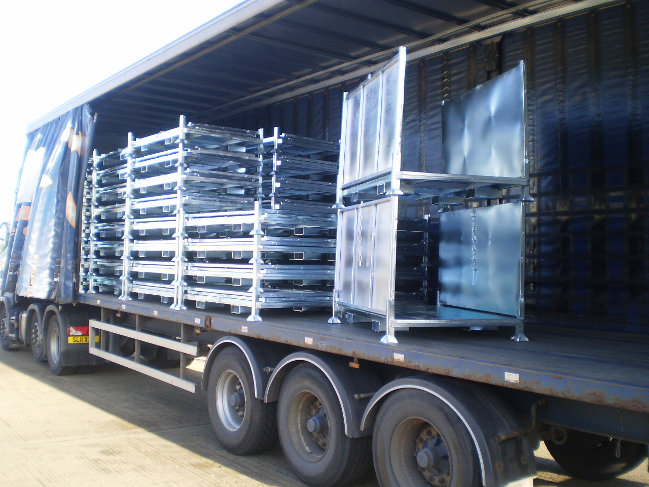 Custom manufactured folding stillage