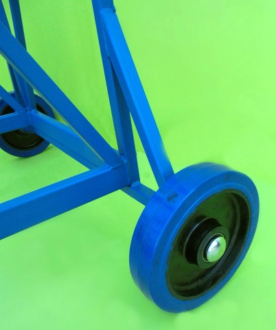 Heavy duty rugged wheels for mobile steps