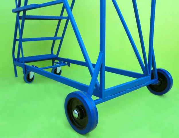 Rugged wheels for heavy duty mobile steps